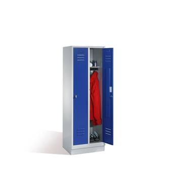 Stahl-Garderobenschrank, Umkleide, Spindschrank mit Sockel, 2 Abteile je 300 mm, Türfarbe enzianblau (RAL 5010), 1800 x 610 x 500 mm (HxBxT)