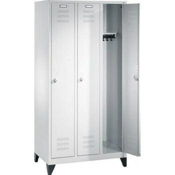Spindschrank, Umkleide, Garderobenschrank aus Stahl, 3 Abteile je 300 mm, Farbe lichtgrau (RAL 7035), Unterbau Füße, 1.800 x 900 x 500 mm (HxBxT)