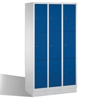 Spindschrank, Schließfächer, Wertsachenschrank mit Sockel, 9 Fächer (3 x 3) je 300 mm, Farbe lichtgrau/enzianblau, 1.800 x 900 x 500 mm (HxBxT)